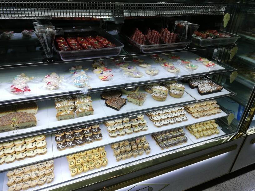 شیرینی فروشی مهماندوست
