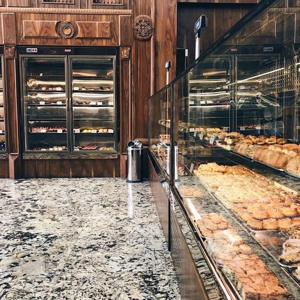 شیرینی فروشی لندو