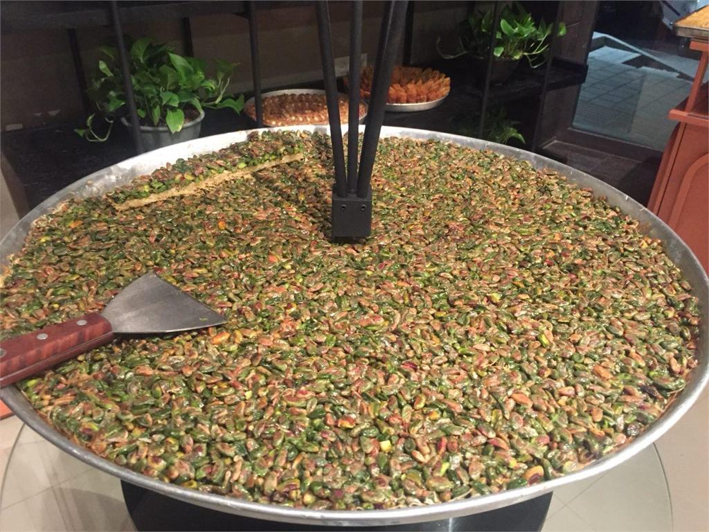 شیرینی فروشی لبنانی لیالی