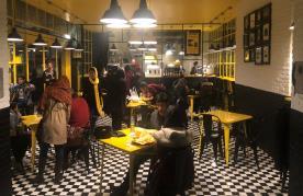 رستوران کیوسک برگر (باغ کتاب تهران)