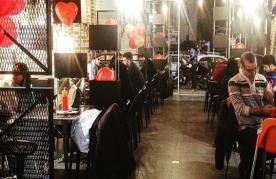 رستوران هات (پیروزی)