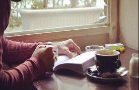 کافه کتاب ایما