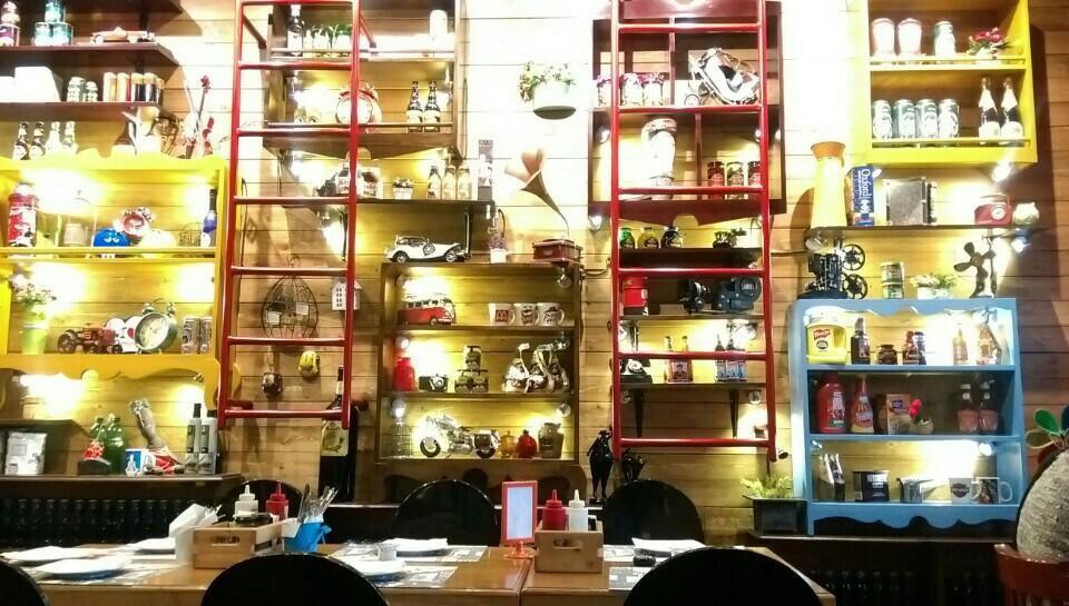 رستوران فست فود منهتن گریل