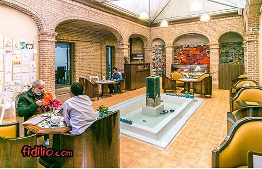 کافه هنر آتین