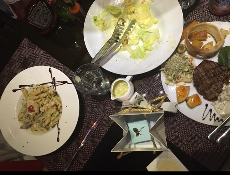 رستوران فست فود پیاتو