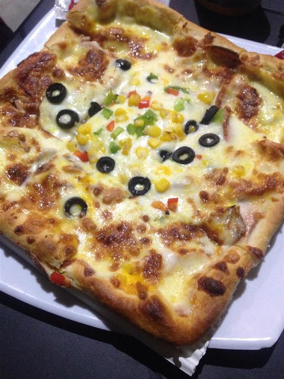 رستوران فست فود پیتزا هات (سهروردی)