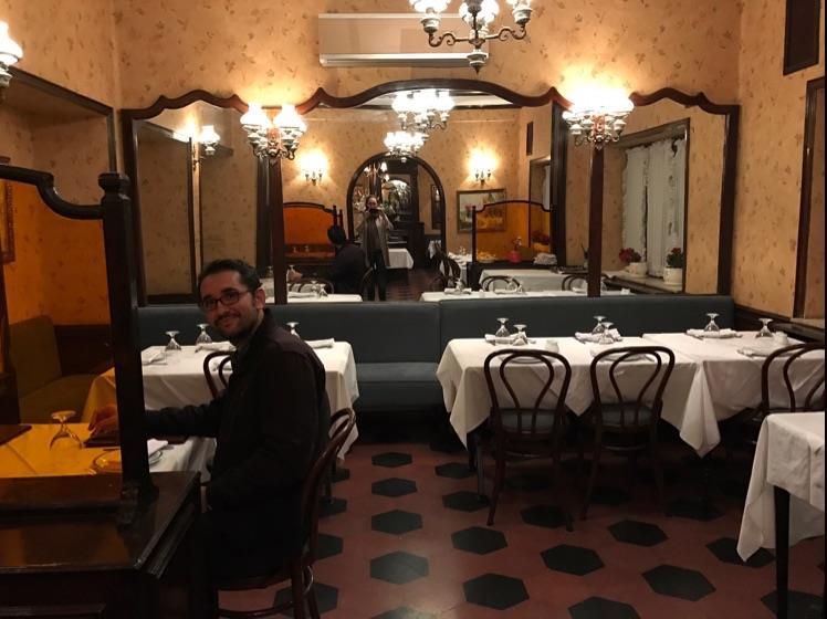 رستوران فست فود فردیس (سوئیس سابق)