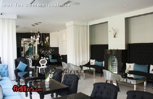 کافه لیوینگ روم (Living Room)