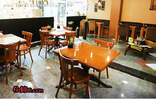 کافه رادیکال2