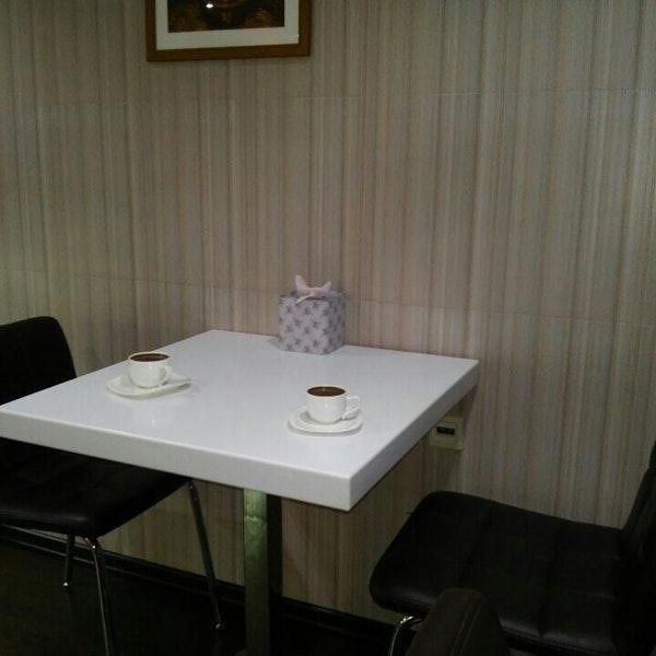 کافه قنادی سینامون