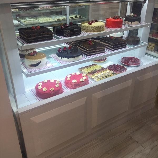شیرینی فروشی فرد توکلی
