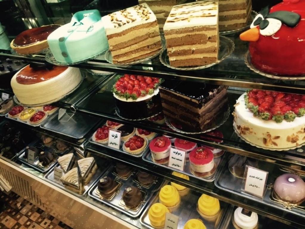 شیرینی فروشی نون خامه ای (لواسان)