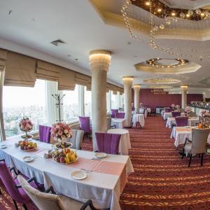 رستوران پارسه (هتل آزادی)