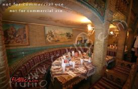 رستوران عالی قاپو