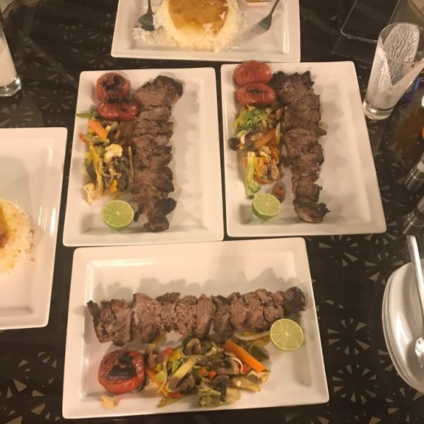 رستوران  فست فود  شاندرمن خاورمیانه