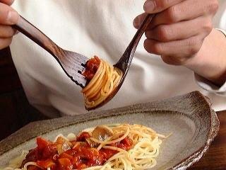 غذا خوردن با قاشق و چنگال